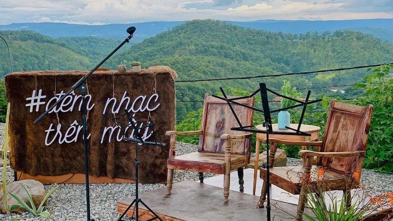 quan cafe acoustic dep da lat