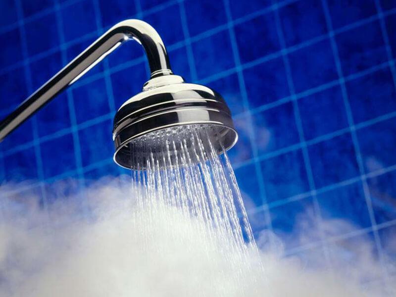 nước ấm làm mềm tóc